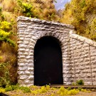 Chooch Enterprises HO Cut stone tunnel portal CHO8340